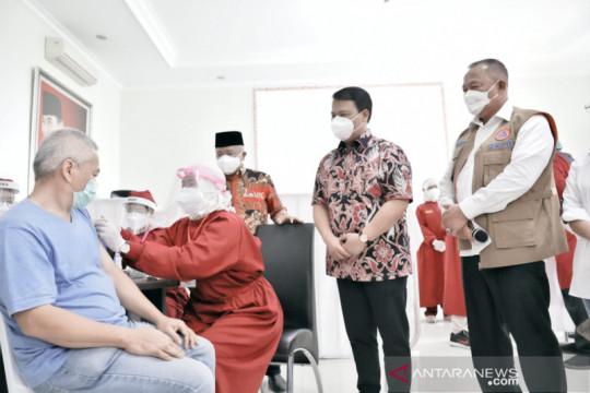 Satgas COVID-19: Vaksin dan masker layaknya payung saat hujan