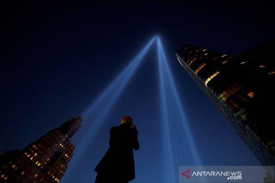 Instalasi seni Tribute in Light untuk memperingati 20 tahun serangan 11 September di AS