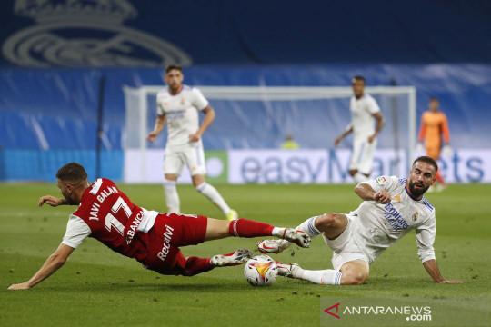 Karim Benzema cetak hattrick bawa Madrid bungkam Celta Vigo 5-2
