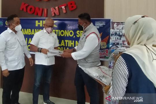 Anggota DPR salurkan 269 rompi untuk kontingen NTB pada PON Papua