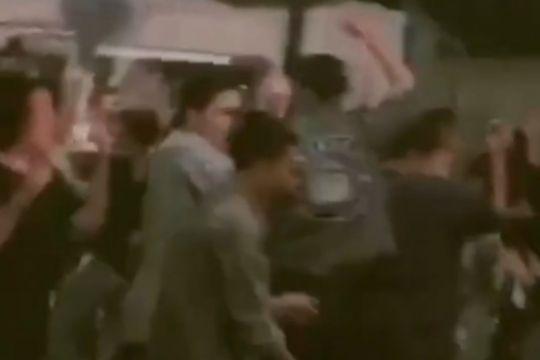Satpol PP tutup kafe di Setiabudi  karena langgar aturan PPKM Level 3