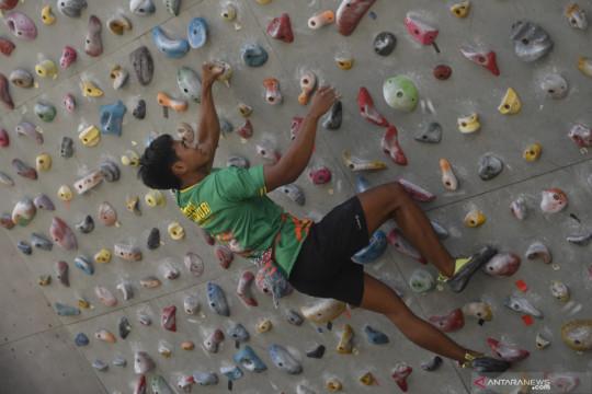 Atlet panjat tebing unggulan Jawa Timur berlatih jelang PON Papua
