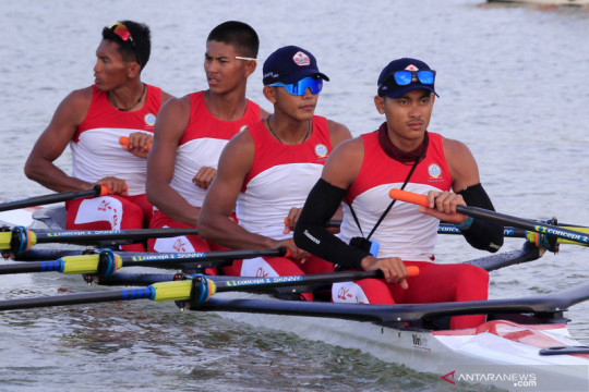 Tim dayung DKI Jakarta berlatih di Teluk Youtefa jelang PON Papua