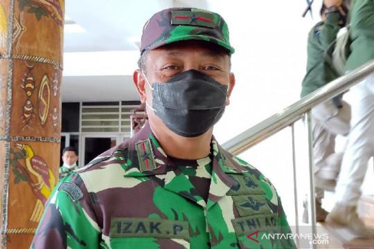 TNI: Evakuasi dua nakes yang jatuh ke jurang di Kiwirok alami kendala