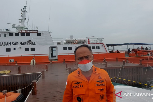 SAR Jakarta selamatkan penyintas kapal terbalik di Teluk Jakarta