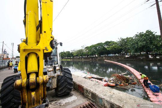 DKI Jakarta siapkan alat dan personil antisipasi bencana banjir