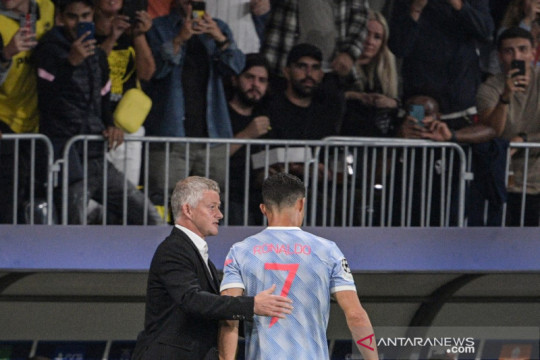 Solskjaer sebut alasan ganti Ronaldo dan Bruno saat hadapi Young Boys