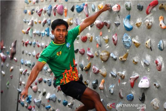 """Spiderman Jatim"", Rahmad siap melesat di panjat tebing Tanah Papua"