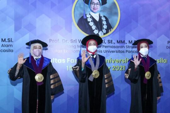 Universitas Pancasila kukuhkan tiga guru besar