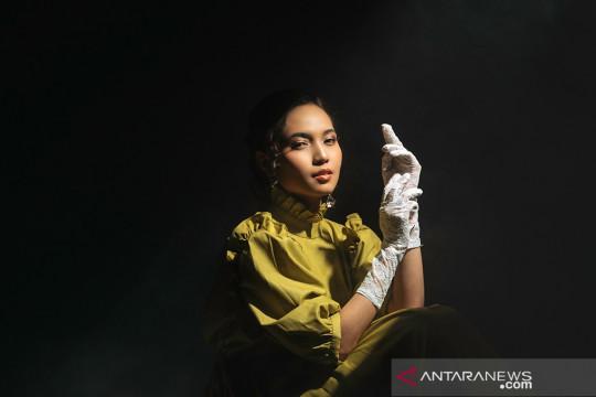 """Fransis Karin debut musik lewat lagu """"Manusia"""""""