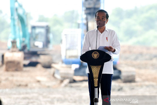 "Presiden ""groundbreaking"" pabrik baterai kendaraan listrik pertama RI"
