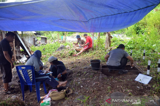 Balai Arkeologi Maluku pamerkan alat batu peninggalan suku tradisional