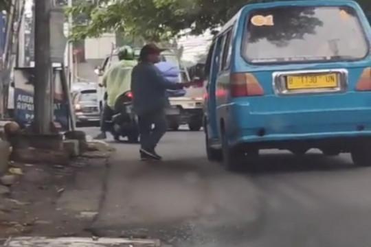 Polisi tangkap pelaku pungli di Pasar Minggu