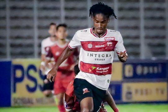 Ronaldo Kwateh dapat suntikan semangat dari sang ayah