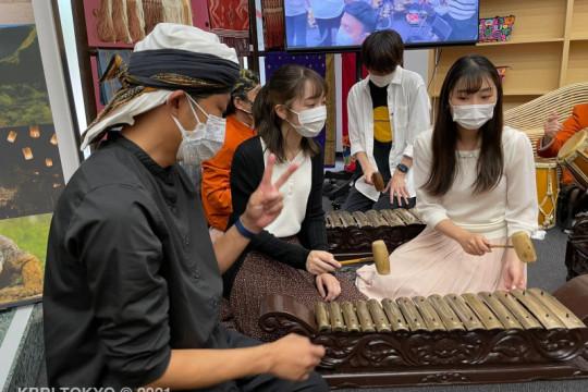 """Mahasiswa Jepang pelajari budaya Sunda di """"Indonesia Day"""""""