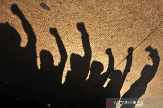 Ikhtiar mengembalikan marwah demokrasi kepada rakyat