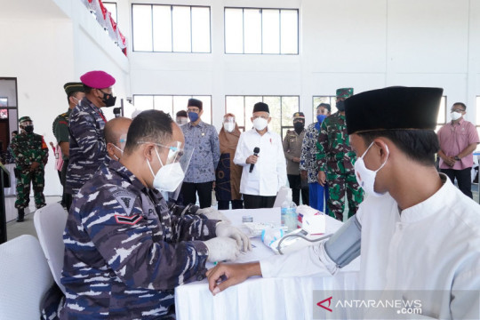 Wapres mengapresiasi Serbuan Vaksinasi TNI AL di pesantren
