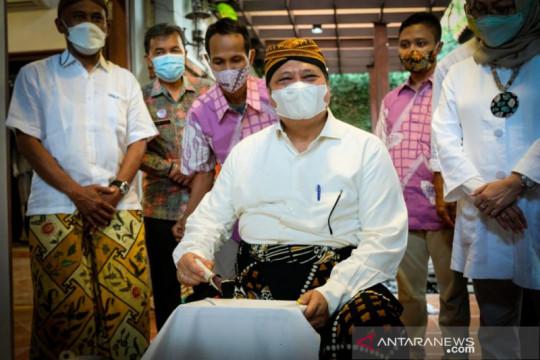 Airlangga : Diversifikasi batik dorong pemulihan ekonomi nasional