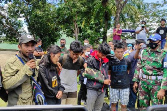 Korban kekerasan KKB di Kiwirok dievakuasi menggunakan Caracal TNI-AU