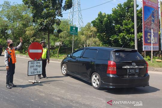 Personel gabungan larang mobil pelat genap masuk Ancol