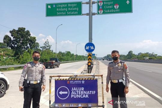 Polres Bogor mulai alihkan kendaraan ke dua jalur alternatif Puncak