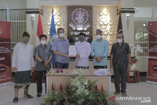 """ISI Denpasar dan mitra teken SPK Merdeka Belajar secara """"drive thru"""""""