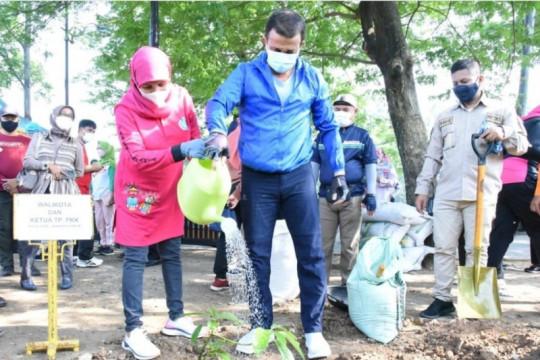 Jakarta Timur tanam 1.000 pohon di Kanal Banjir Timur
