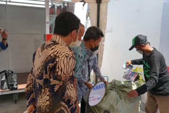 Pertamina hadirkan Bengkel Sampah Tukar Oli di Jakarta Utara