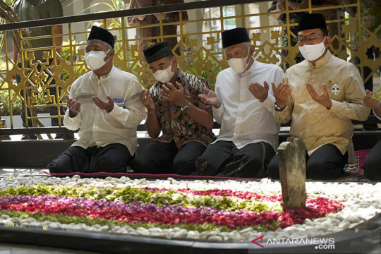 Moeldoko ziarah ke makam Gus Dur di sela kunjungan kerja ke Jombang