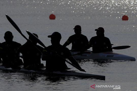 Atlet dayung Lampung jajal arena kano di Teluk Youtefa