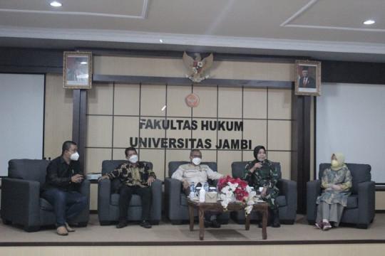 Direktur Hukum TNI AD perkuat wawasan kebangsaan mahasiswa Unja