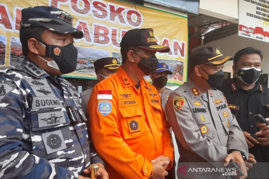 Polisi tutup sementara lalu lintas kapal menuju pelabuhan Cilacap