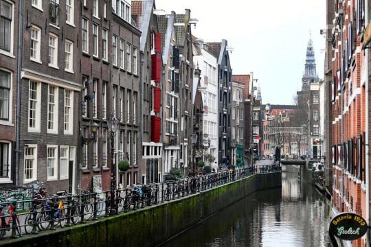 Belanda wajibkan pas corona mulai 25 September