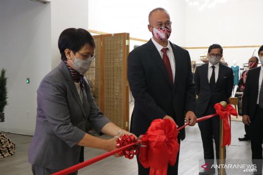 Menlu Retno resmikan renovasi gedung KJRI Los Angeles