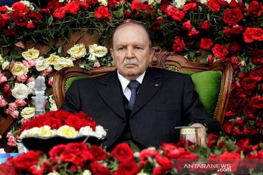 Aljazair tetapkan hari berkabung bagi mantan presiden Bouteflika