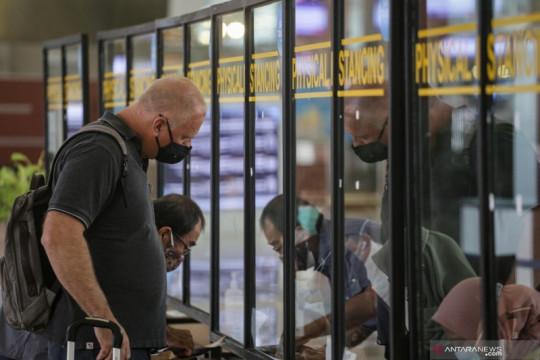 Tak mau kecolongan, Luhut: Pintu masuk pejalan internasional dibatasi
