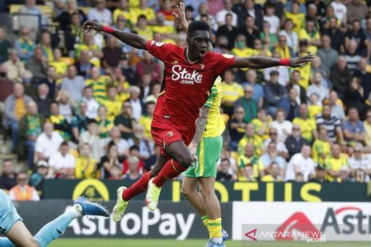 Ismailla Sarr antar Watford menangi duel tim promosi lawan Norwich