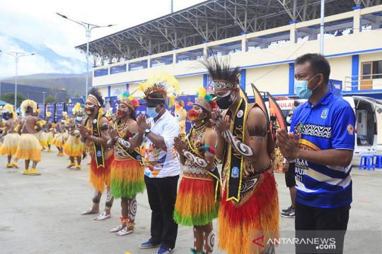 Kontingen resmi pertama PON Papua mendapat sambutan spesial