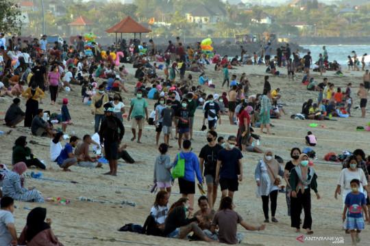 Kunjungan wisatawan di Pantai Sanur Bali di masa PPKM Level 3