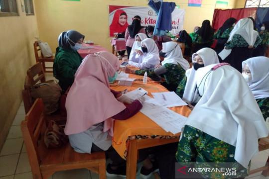 Anggota DPR gelontorkan 20 ribu vaksin untuk pelajar Tegal