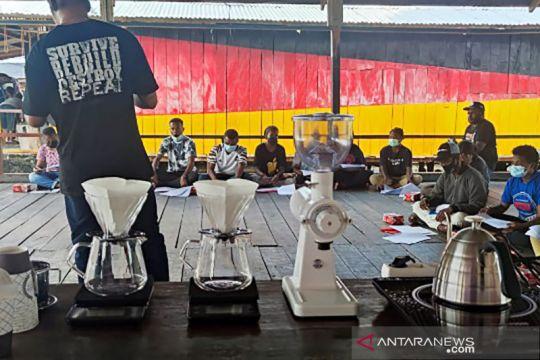 Komunitas D2WNG bantu perlengkapan kedai kopi bagi Pemuda Yoboi