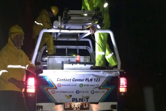 PLN sigap normalkan pasokan listrik banjir bandang Mitra-Sulut