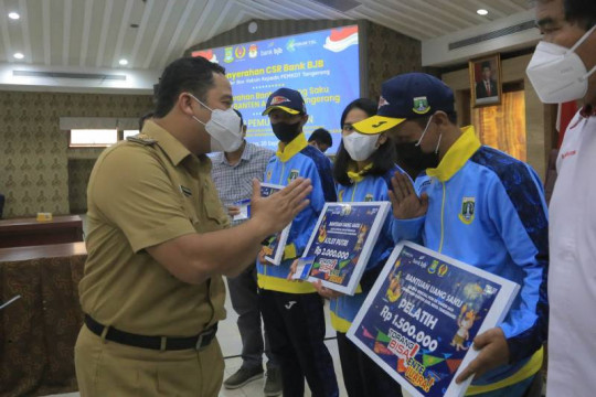 Atlet Kota Tangerang terima bantuan sebelum berangkat ke PON Papua