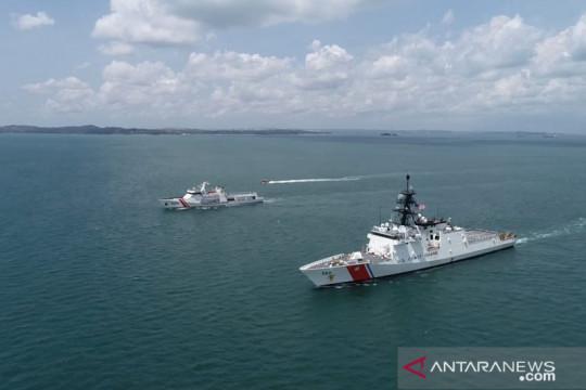 "KN Pulau Dana Bakamla ""passing exercise"" bersama kapal AS"