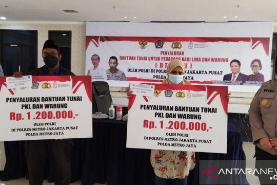 Polrestro  Jakpus salurkan dana BPUM  untuk pedagang mikro dan kecil