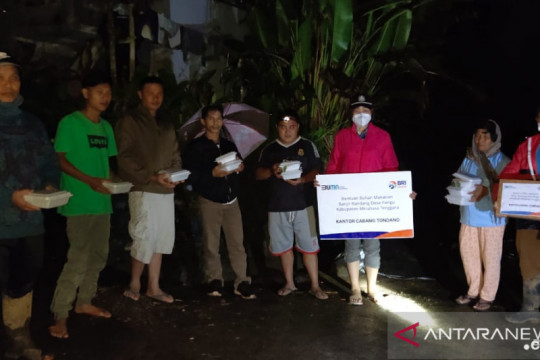 BRI salurkan bantuan tanggap bencana banjir di Minahasa Tenggara