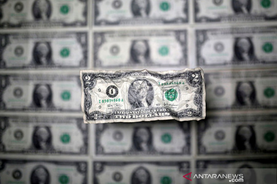 Dolar jatuh dalam perdagangan fluktuatif, karena selera risiko menguat