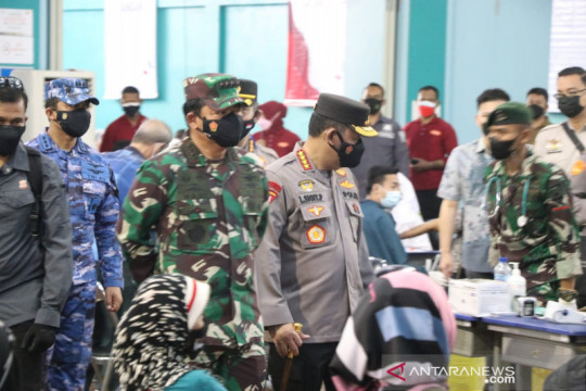 Panglima TNI-Kapolri apresiasi kegiatan vaksinasi alumni Akabri 1998