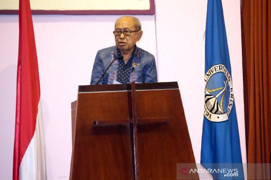 Guru Besar Unair dan UK Petra Profesor J.E. Sahetapy tutup usia