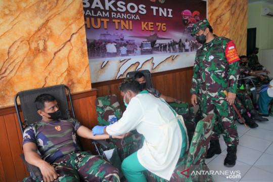 Kodam Kasuari aksi sosial donor darah untuk sambut HUT ke-76 TNI